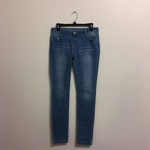 Form fitting jeans